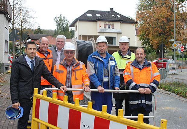 """""""Mit Innogy haben wir einen starken Partner an unserer Seite."""", schildert Bürgermeister Burkhard Schwuchow zum Glasfasernetz-Ausbau seit August in Büren."""
