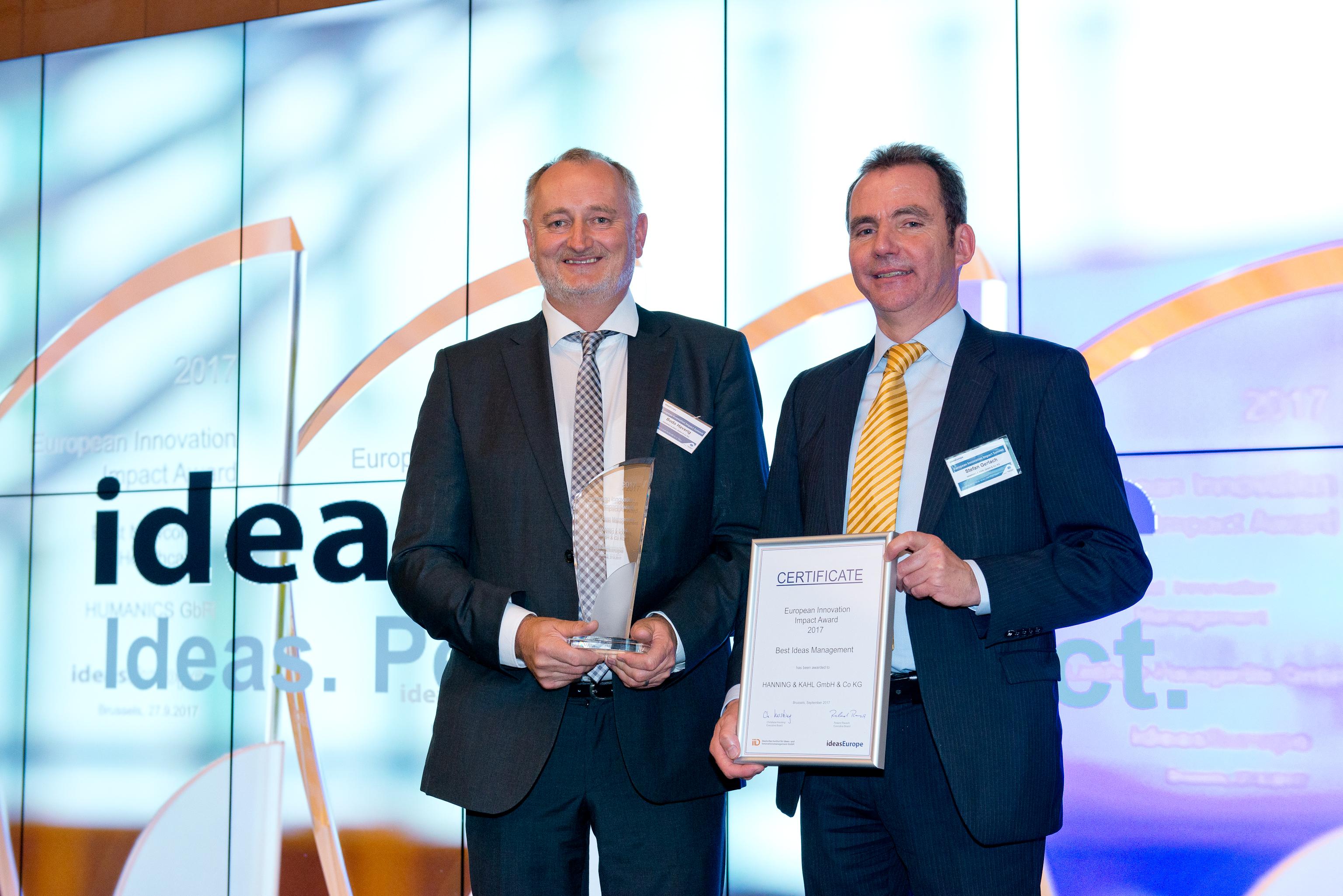 Das Innovations-Team  freut sich über die Auszeichnung (Foto: HANNING & KAHL)