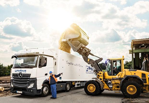 Rhenus Forest Logistics ist auf den Transport und Handel von Sägerestholz, Altholz sowie Biomasse spezialisiert und nach Efb, FSC und PEFC zertifiziert.
