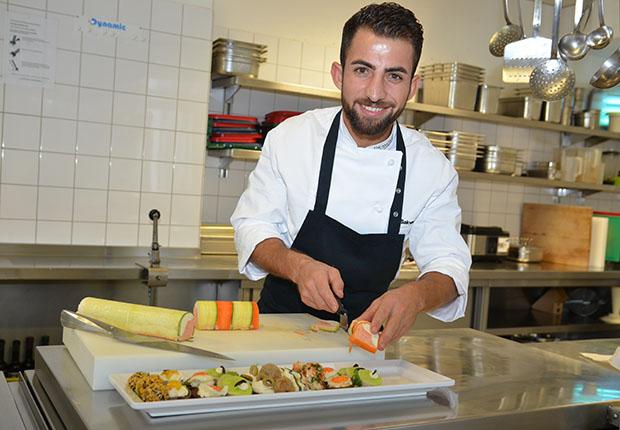 Bielefelder Jung-Koch Sakvan Qasim aus dem Werksrestaurant der Dr. Wolff-Gruppe