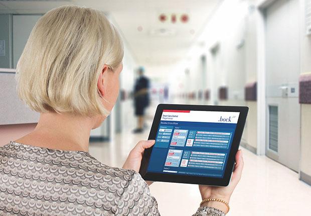 Die SMART Care Control® -Technologie verknüpft sensorgestütztes Monitoring, programmierbare Bettensteuerung und Smartphones der Pflegekraft.