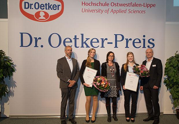 Die Dr. Oetker Preis-Verleihung fand im Rahmen der Verabschiedung der AbsolventInnen 2017 der Life Science Technologies der Hochschule OWL in Lemgo statt.