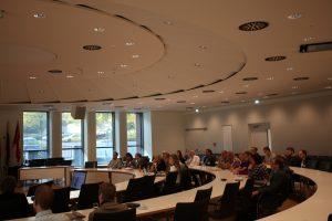 Beim 2. Forum Open Government im Kreishaus Lippe informierten sich Verwaltungsvertreter aus OWL über Wege zur Digitalisierung (Foto: Press Medien)