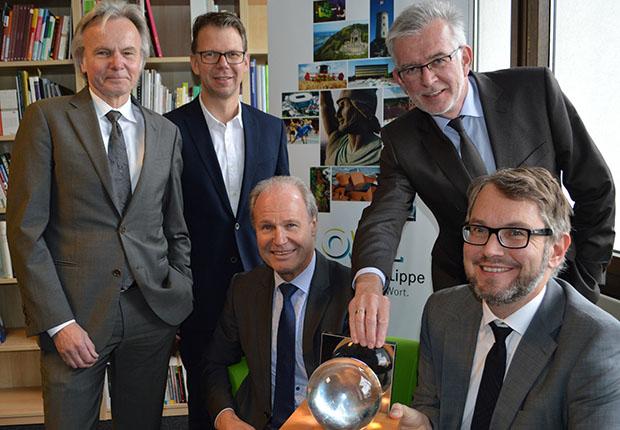 Die drei Gewinner des OWL-Innovationspreis MARKTVISIONEN 2017 der OstWestfalenLippe GmbH stehen fest. 92 Unternehmen hatten sich beworben.