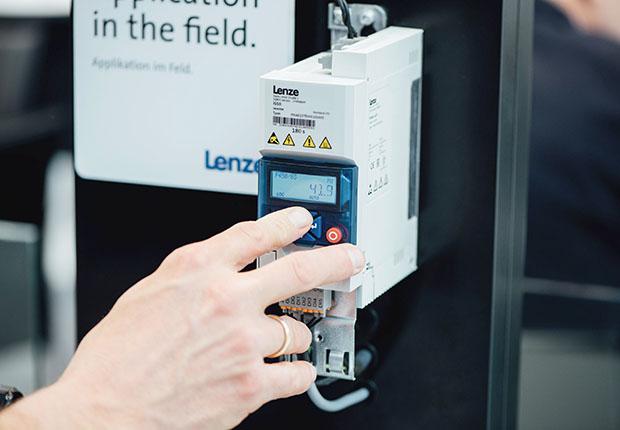 Lenze, der Spezialist für Motion Centric Automation präsentiert sich auf der FMB, der Zulieferermesse für den Maschinenbau in Bad Salzuflen.