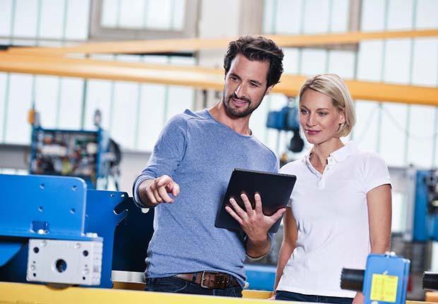 Das neue Demag Trainingsprogramm bietet ein breites und nochmals erweitertes Programm an Seminaren und Schulungen für Kranbetreiber und Instandhalter.
