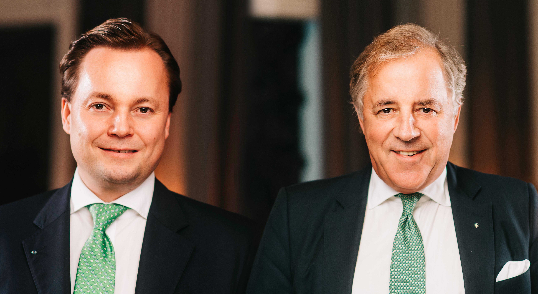 Auch nach dem Rechtsformwandel an der Spitze: Dr. Thomas C. Knecht und Jost Hellmann (Foto: Hellmann)
