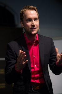 """Der gebürtige Bielefelder und """"Wahlbremer"""" Oliver Huitema feiert auch als Speaker Erfolge (Foto: Keynote-Speaker)"""