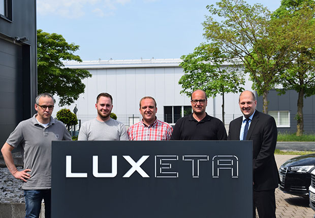 LUXETA rückt Produkte ins rechte Licht.
