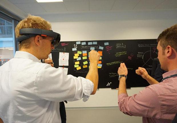 Ein neues Zukunftslabor in Lemgo am Institut für industrielle Informationstechnik (inIT), das Digital Innovation Lab, hilft bei Technologieentwicklung.