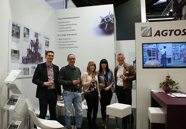 Handtmann Leichtmetallgießerei Annaberg GmbH bestellte eine Drahtgurt-Strahlmaschine bei AGTOS.