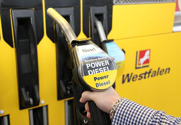 Neue Hochleistungskraftstoffe Power Super und Power Diesel an ausgewählten Tankstellen