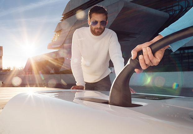 """Das Rinspeed-Fahrzeug """"Snap"""" setzt auf HARTING Schnellladetechnik für bessere E-Mobility. (Foto: HARTING)"""