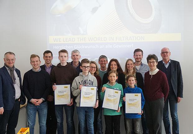 Jugend forscht –  Hengst zeichnet Schüler mit Sonderpreis aus
