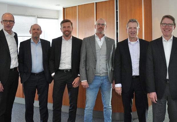 Wirtschaftsvertreter aus Holland zu Gast in Münster: WFM-Geschäftsführer Dr. Thomas Robbers (l.) und WFM-Berater Günter Klemm (r.) empfingen Hans Brouwers (2.v.l.), Richard Kokhuis (3.v.l.), Peter Schildkamp (3.v.r.) und Pieter Dillingh (2.v.r.). (Foto: WFM Münster)