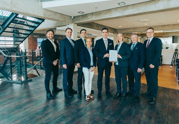 Hellmann und Hochschule Osnabrück weiten Kooperation aus