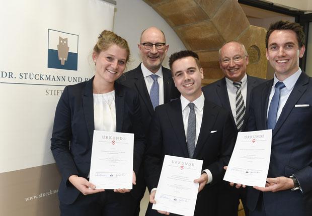 Dr. Stückmann und Partner Stiftung zeichnet Leistungen aus
