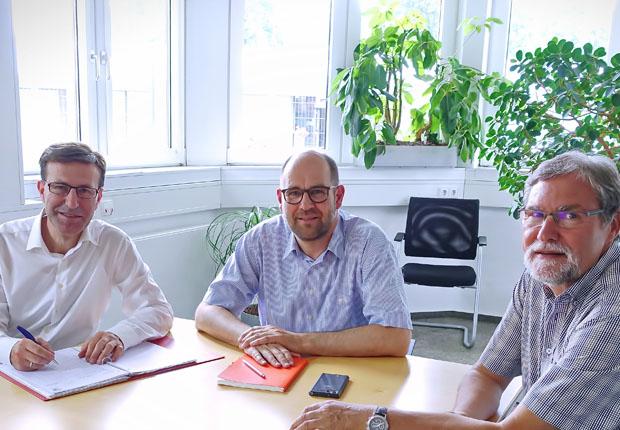 Auditor prüft Qualitätsmanagement von Hardy Schmitz