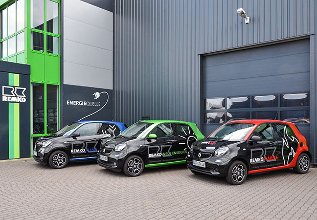 Umweltfreundlich unterwegs: Remko engagiert sich mit kostenfreien Ladestationen in Sachen Elektromobilität. (Foto: REMKO GmbH & Co. KG, Lage)