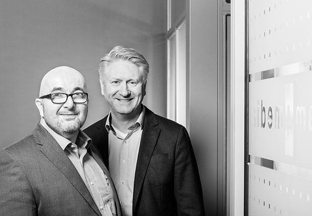 Seit mehr als 15 Jahren Bestandteil des Teams: Die beiden Geschäftsführer Axel Voss und Jörg Fiedler (v.l.). (Foto: team4media GmbH)