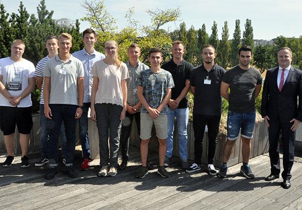 Erfolgreicher Berufsstart bei der Jowat SE 2018