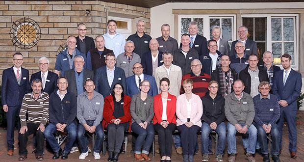 Dank und Anerkennung für langjähriges Engagement bei Depenbrock Bau. (Foto: Depenbrock Bau/Dennis Gilbert)