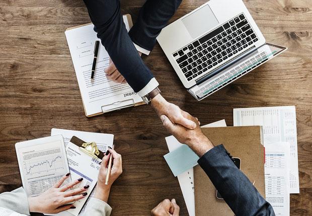 ASSMANN Büromöbel beteiligt sich an Frem Group Screens Limited