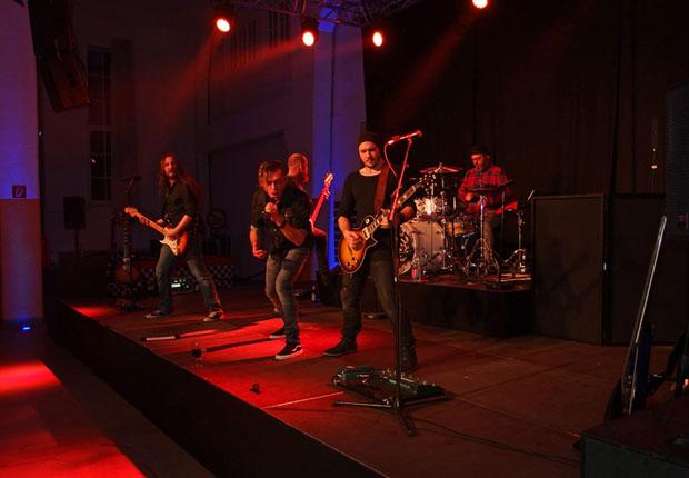 Als absolutes Top-High-Light gab Deutsch-Rocker Thomas Godoj ein Konzert zum Besten. (Foto: Wilhelm Modersohn)