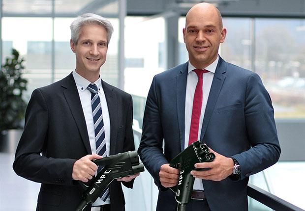Michael Heinemann und Ralf Döhre, Leitung der Phoenix Contact E-Mobility GmbH. (Foto: Phoenix Contact)