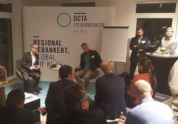 Beim OCTA TALK diskutierten mehr als 40 Managerinnen und Manager über das Thema Mitarbeiterführung. (Foto: OCTA)