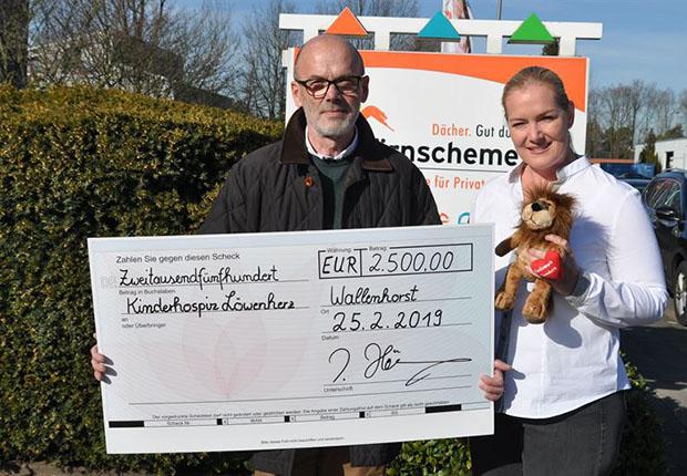 Hörnschemeyer Dächer spendet 2.500 Euro für Löwenherz