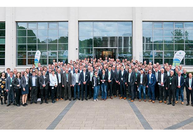 Über 250 Teilnehmerinnen und Teilnehmer tauschten sich beim Forum Produktion & IT im NINO-Hochbau zu aktuellen Produktionsthemen aus. (Foto: Emsachse)