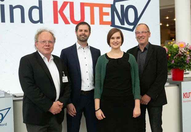 Das Messeteam der KUTENO (von links: Bernd Stedtfeld, Jan Harms, Annika Burdach, Horst Rudolph) (Foto: Carl Hanser Verlag)