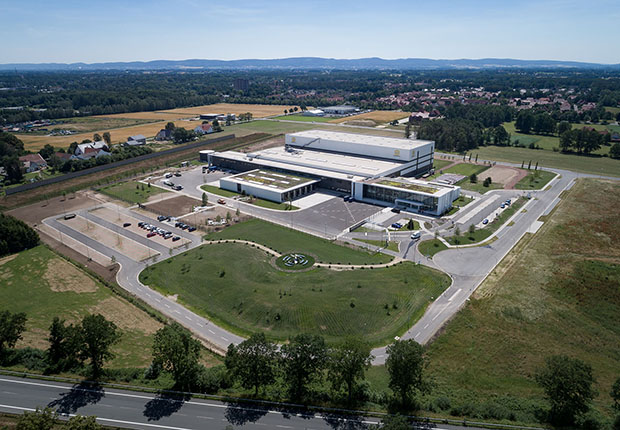 HARTING hat das Logistikzentrum European Distribution Center (EDC) in Espelkamp nun in Betrieb genommen. (Foto: HARTING)