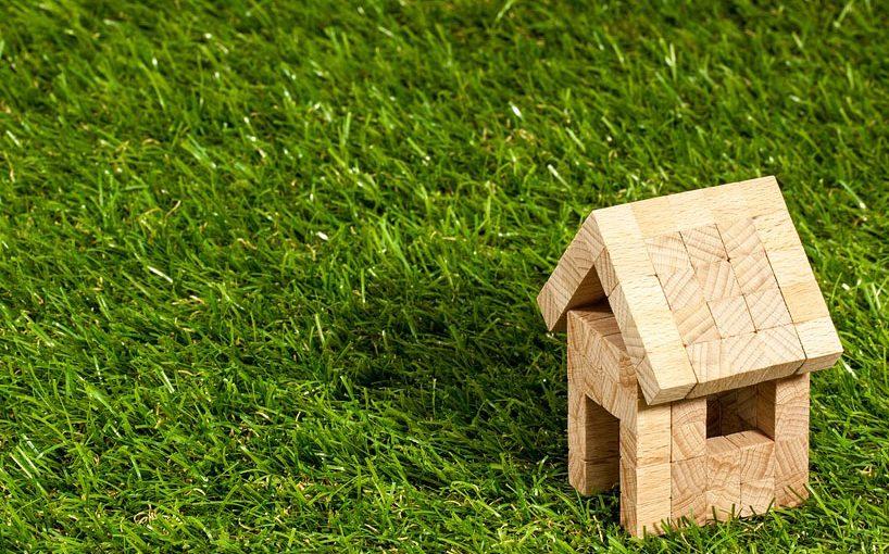 Wer bei einer Immobilie vergleich kann viele Kosten einsparen. (Foto: image4you/ pixabay)