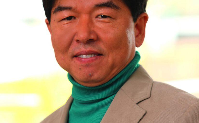 """Key Yoo, Geschäftsführer Beckhoff Korea: """"Wir profitieren sehr vom umfassenden Know-how unserer Mitarbeiter. Die zehn langjährigsten Kollegen bringen es zusammen auf 125 Jahre Erfahrung mit Beckhoff-Produkten."""" (Foto: BECKHOFF)"""