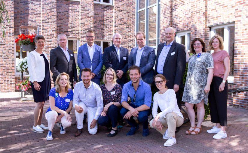 Viele Projektpartner wirkten am Erfolg von iPro-N mit, darunter auch der Münsterland e.V. Regiokoordinatorin für das Münsterland war Ruth Petermann (vordere Reihe, r.). Projektpartner von iPro-N © Münsterland e.V.