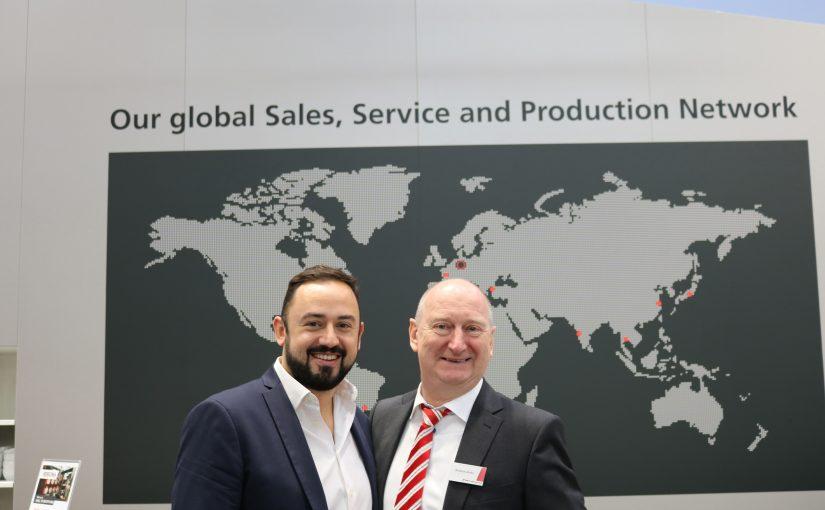 BST eltromat und SeeOne unterzeichneten auf der K 2019 einen Partnerschaftsvertrag