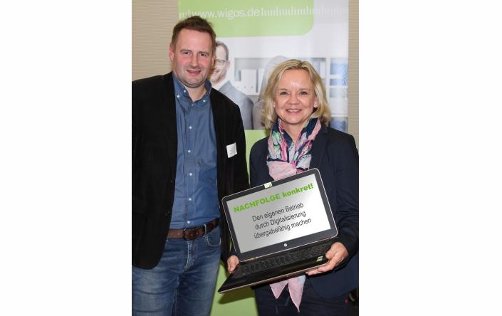 Freuten sich über die gute Resonanz auf die Veranstaltung: Axel Kolhosser von der WIGOS (links) und Kerstin meyer-Leive von der Projektplan Venture Consult GmbH (rechts). - Foto: WIGOS, Eckhard Wiebrock