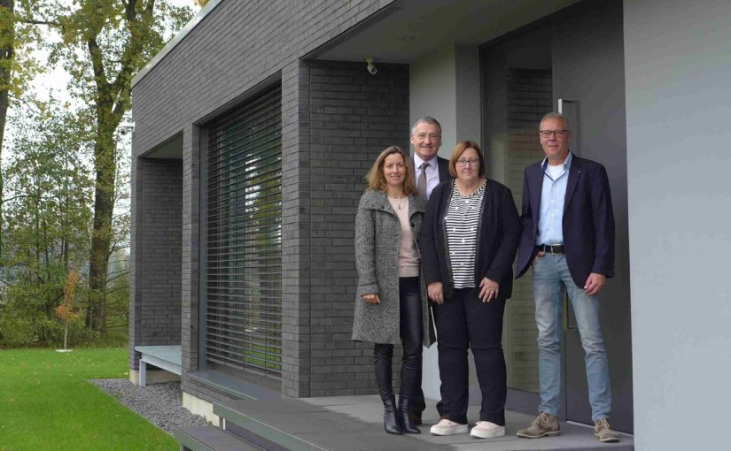 """""""Smarte"""" Sicherheitstechnik ohne Schlüssel: Bürgermeister im Gespräch"""