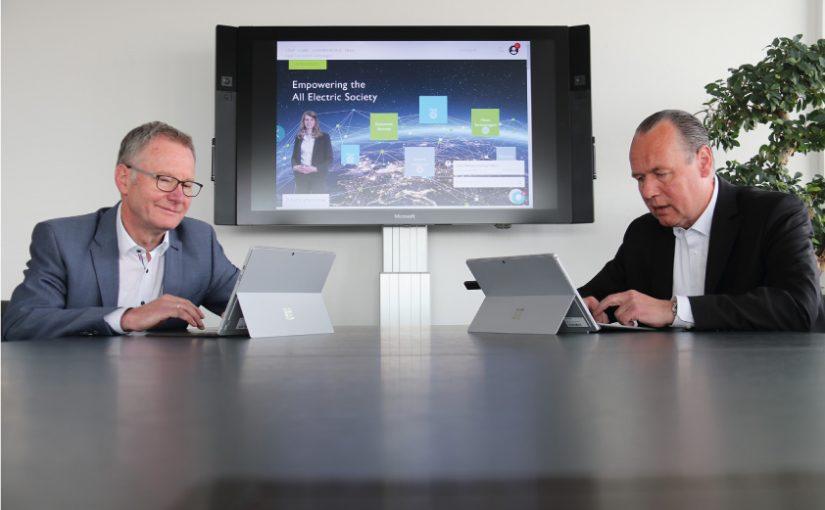 (v.l.n.r.) Auch CTO Roland Bent und CEO Frank Stührenberg beantworteten Kundenfragen im Live-Chat. - Foto: Phoenix Contact