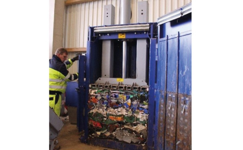 Strautmann Presse auf dem Recyclinghof