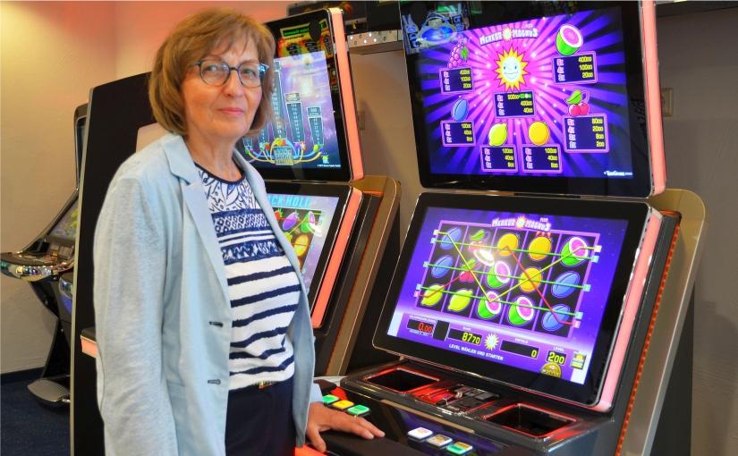 45 Jahre Spielemacherin: Karin Lobe begeht Jubiläum bei Gauselmann