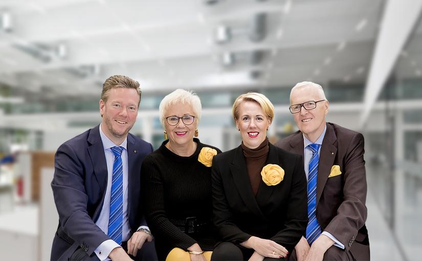Philip Harting, Margrit Harting, Maresa Harting-Hertz und Dietmar führen in der zweiten und dritten Generation die HARTING Technologiegruppe (von links nach rechts).  - Foto: HARTING