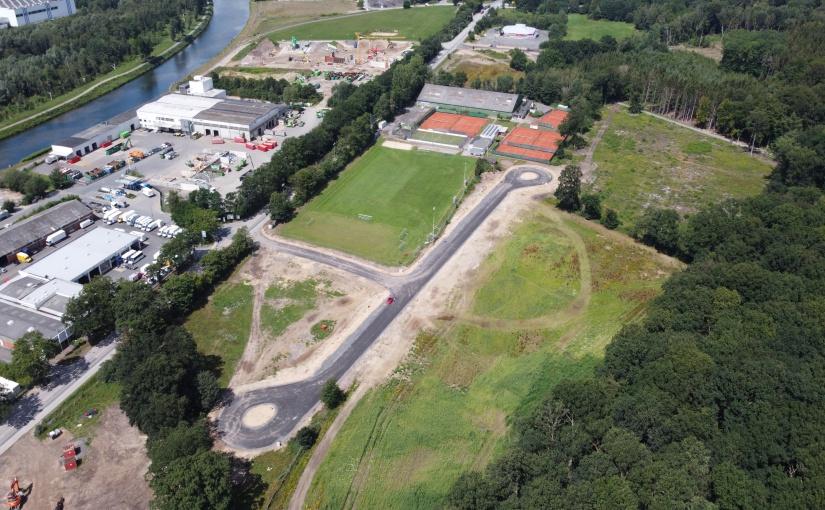 Das Sondergebiet Güterverkehrszentrum Hafen aus der Luft betrachtet: Das 4,5 ha große Gebiet liegt direkt am Fürstenauer Weg und steht für intelligente Logistik bereit. - Foto: Wirtschaftsförderung Osnabrück