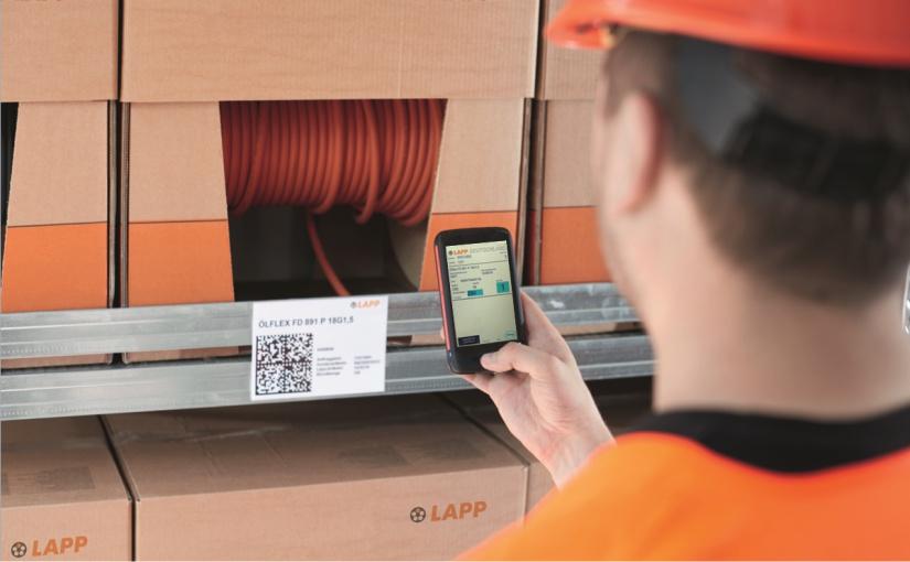 KANBAN-Lösung 2020 bei LAPP mit Handheld-Computer und Software von AISCI IDENT. - Foto: U.I.Lapp Gmbh