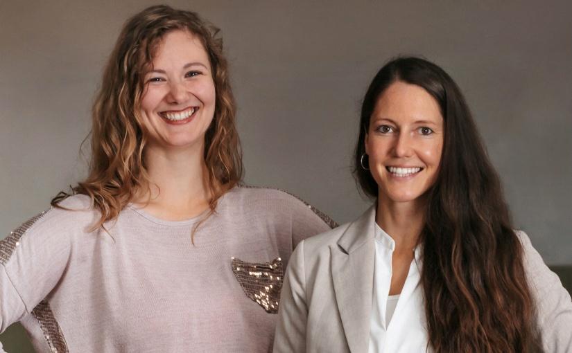 BilduDie Gründerinnen von #SheDoesFuture: Linn Kaßner-Dingersen und Sonja O'Reilly (v.l.n.r.). - ©Jacqueline Nolting - www.jacqueline-nolting.denterschrift: Die Gründerinnen von #SheDoesFuture: Linn Kaßner-Dingersen und Sonja O'Reilly (v.l.n.r.). - ©Jacqueline Nolting - www.jacqueline-nolting.de