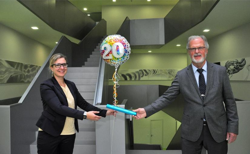 Nach 20 Jahren Stabübergabe beim Verein Bioanalytik in Münster. Klaus-M. Weltring und Dr. Kathleen Spring.