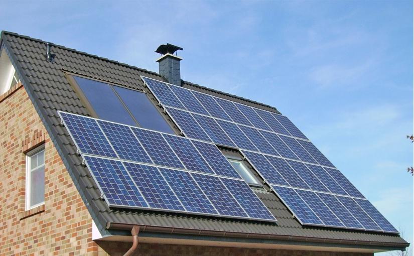 Betreiber von Energieerzeugungsanlagen – dazu zählen zum Beispiel auch Photovoltaikanlagen – müssen jetzt handeln und sich im Marktstammdatenregister registrieren. - Foto: Pixabay