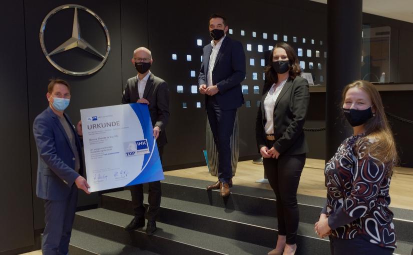 """IHK verleiht Qualitätssiegel """"TOP AUSBILDUNG"""" an Beresa in Osnabrück"""